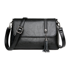 купить Fashion Women's Small Cowhide Genuine Leather Crossbody Bag designer shoulder handbags Shoulder Purse Handbag with Tassel дешево