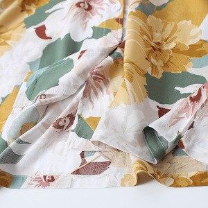 Image 4 - Yaz saten kısa kollu Pijama kadınlar için dönüş yaka yaka Pijama çiçek baskı Pijama Mujer şort ev giysileri Pj seti