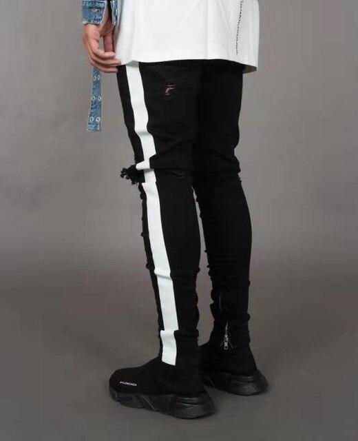 April MOMO Men Stylish Ripped Jeans 2