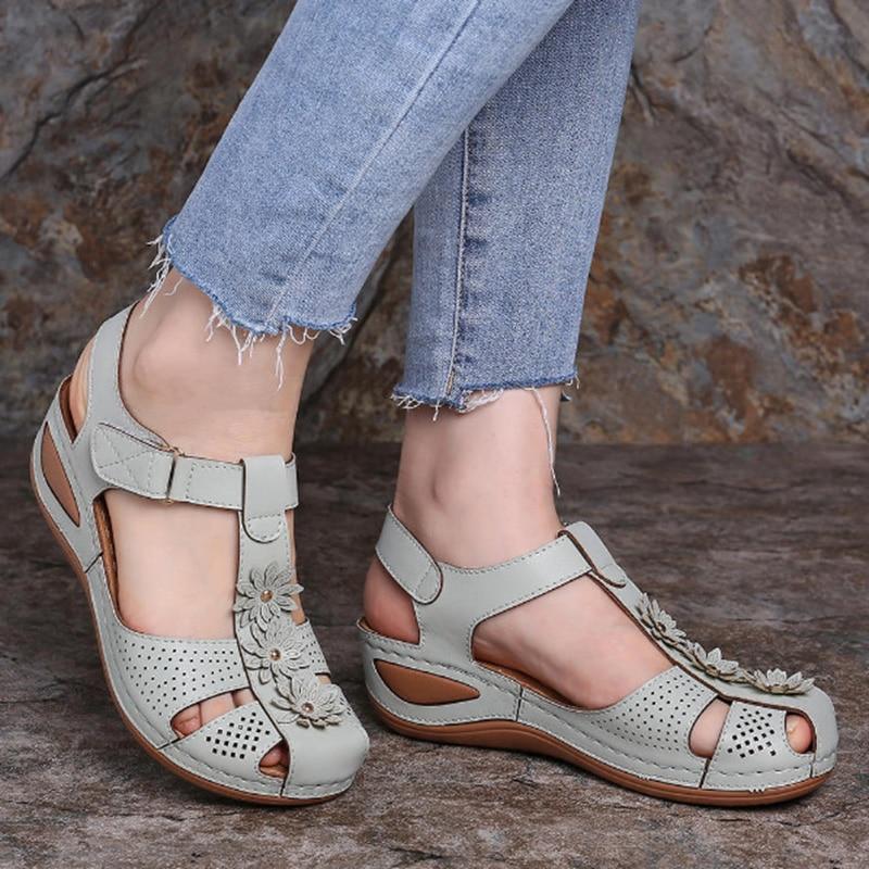 Женские летние босоножки; Обувь на танкетке; Женские шлепанцы; Обувь с пряжкой в стиле ретро; Женская мягкая обувь; Пляжная обувь; 2020