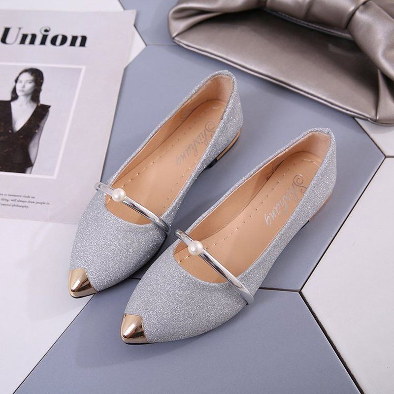 Freeshipping 2019 Spring And Autumn Square Toe Single Shallow Mouth Soft Bottom Comfortable Beanie Flat Woman Shoes Basic