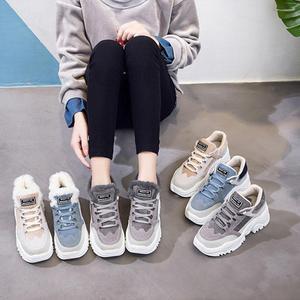 Image 5 - Buty damskie pluszowe śniegowce Faux buty zamszowe casualowe buty sportowe zimą lub jesienna koronka buty damskie WJ002