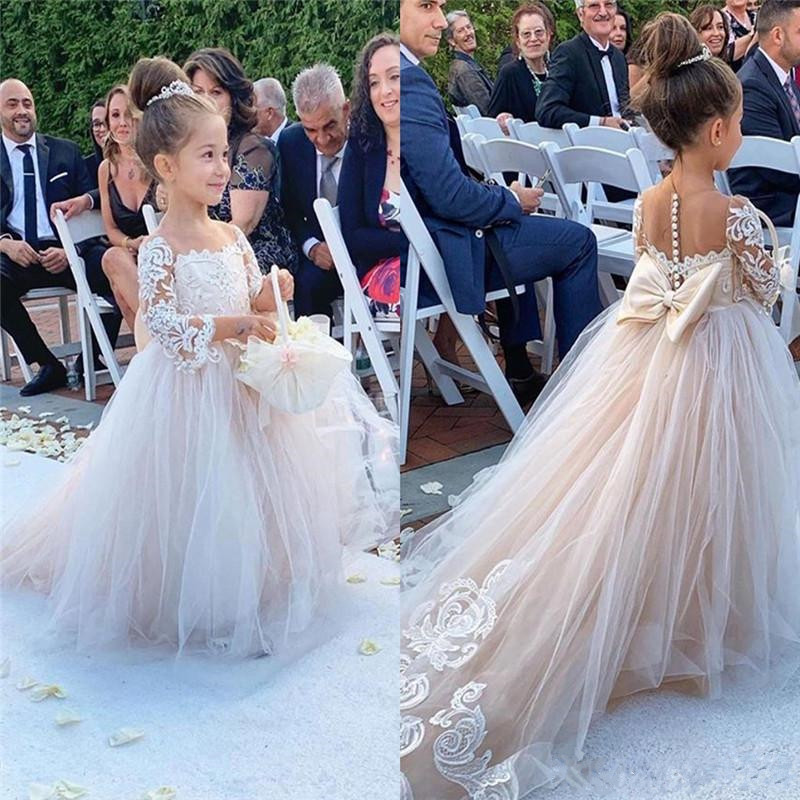 Classic Tulle   Flower     Girl     Dress   with Bow Lace Appliques Train Sheer Neck Covered With Buttons Cheap Kids Pageant Gowsn Vestidos
