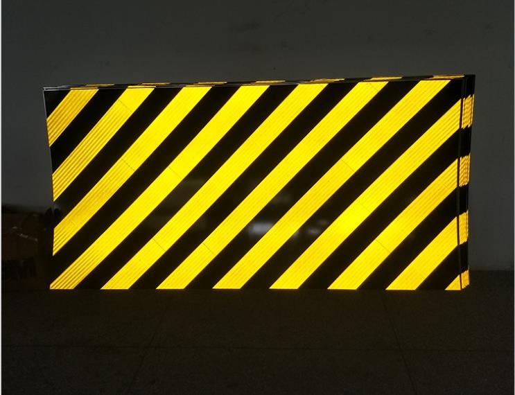 Anti-collision Warning Aluminum-based Reflective Film Pier Tunnel Entrance Microprism Engineering Grade Reflective Material