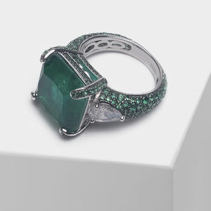 Local focal Fashion 925 Silver Square design shiny green ring