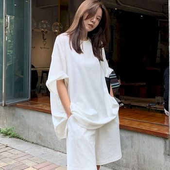 2021 Spring And Summer Korean White Short Sleeve T-shirt Shorts Two-piece Suit Women Loose High Waist Casual Sports Top Pants 1