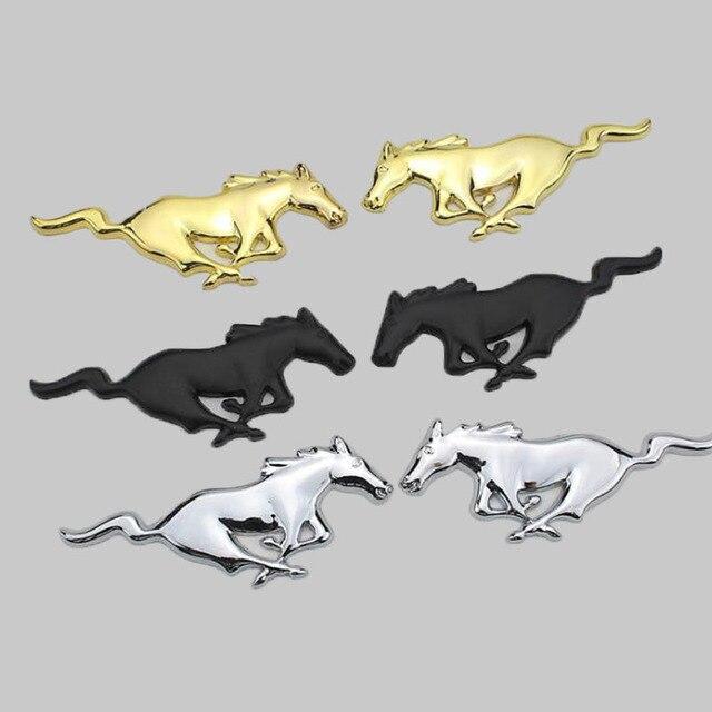 2 Pcs 3D מתכת מוסטנג ריצה סוס צד דלת כנף פנדר סמל מדבקת מדבקות עבור פורד מוסטנג סוס רכב סטיילינג אבזרים