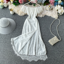 STARK White lace New women's French retro dress girl's knee length dress is a fairy off shoulder lace dress with split shoulder two tone oblique shoulder split dress