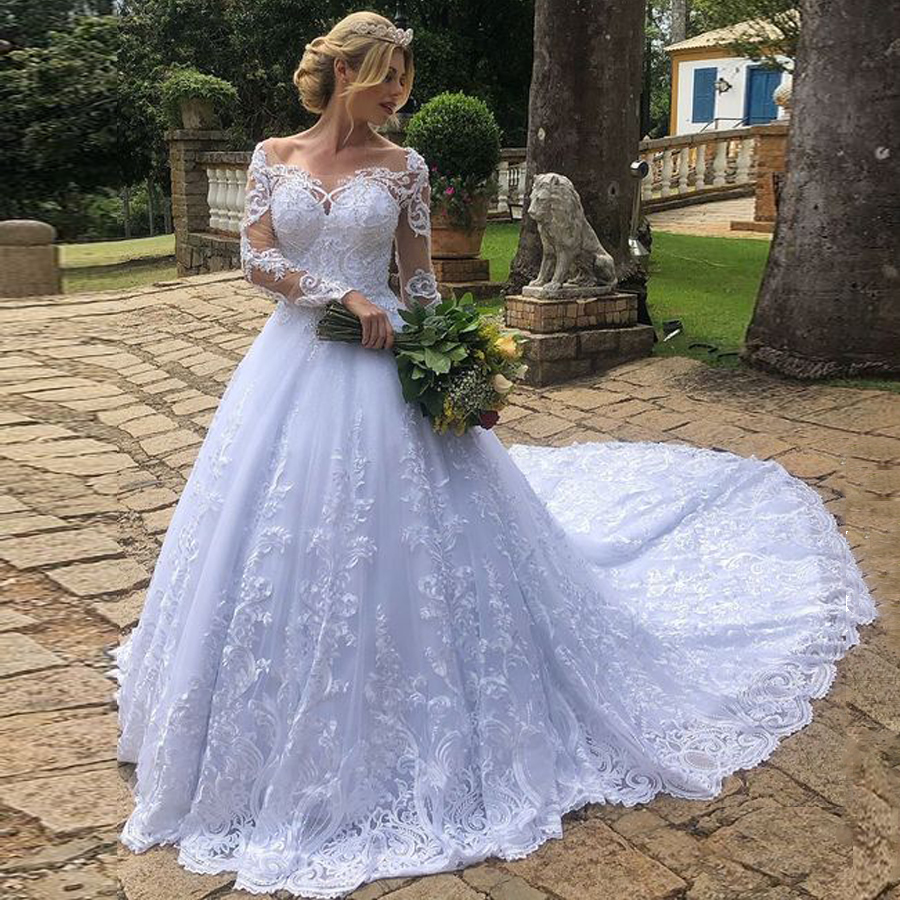 Charming Lace Applique Scoop Neckline Long Sleeve Ball Gown Wedding Dress Court Train Bridal Dress Vestido De Noiva