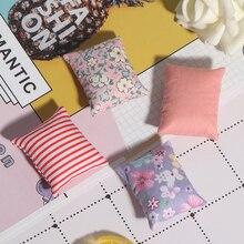 2 шт. милые цветочные подушки для дивана, кровати для кукольного домика, 1/12 кукольный домик, миниатюрная мебель, игрушки