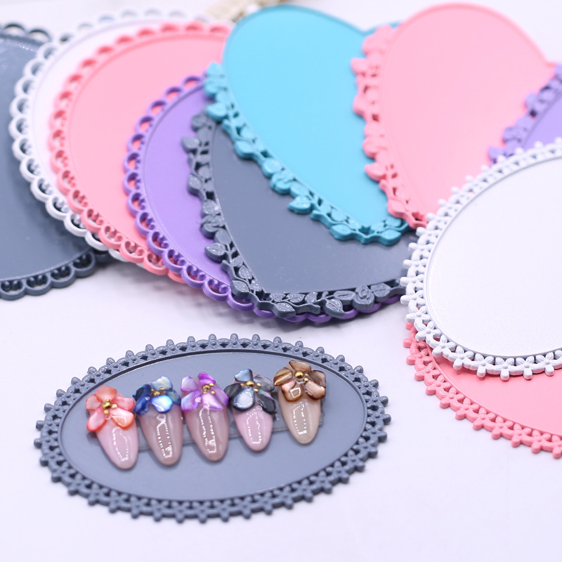 1 Pcs Round Oval Heart Retro Wrought Iron Lace False Nail Art Plate Tips Practice Display Showing Stand Board Palette Nail Tools