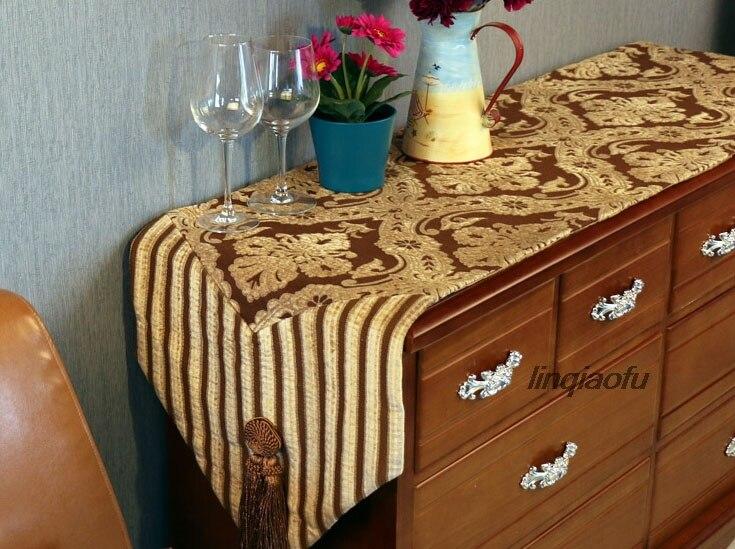 Chemin de table classique de luxe à deux têtes avec pompon, nappe de table drapeau serviette de lit longue piste sur la table - 6