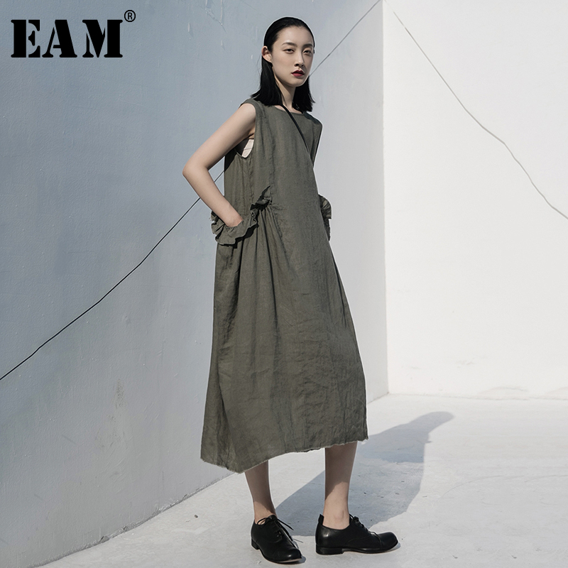 [EAM] Women Army Green Ruffles Stitch Long Dress New Round Neck Sleeveless Loose Fit Fashion Tide Spring Summer 2020 1W024