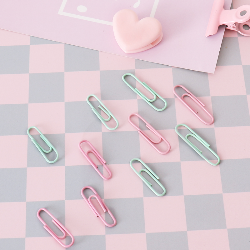 TUTU Free Shipping 50pcs / 28mm 32mm  Candy Color Paper Clips And Pins Vinyl Paint New Ticket Holder Stationery H0436