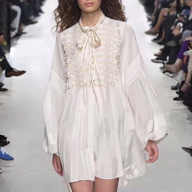 Femmes de luxe piste blanc dentelle perles robe élégante à manches longues dentelle couture plissée robes courtes 2019 automne une ligne vêtements
