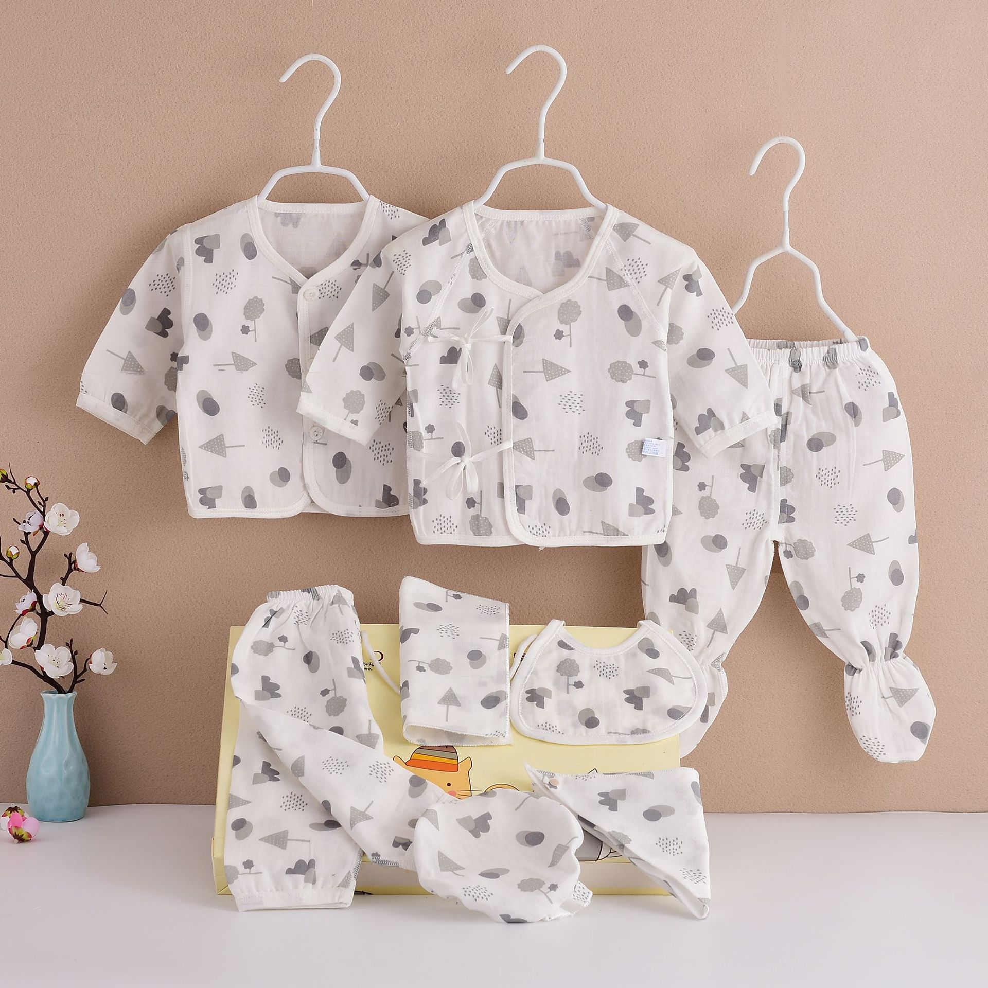 2019 Mom And Baby New Products Newborns Pure Cotton Gauze Eight Set Infants Men And Women Baby Gift Set