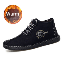 цена 2019 New Men Casual Winter Leather Fur Plush Boots Warm Ankle Rbuuer Snow Men High Top Leather Breathable Boots Big Size 46