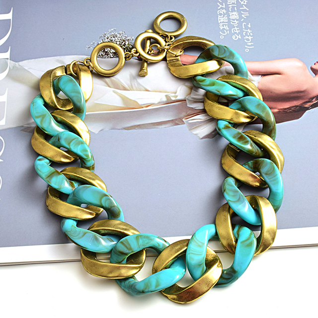 New design Matte-gold High quality Metal acrylic  Statement Fashion bracelet  3