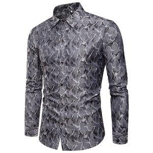 Image 4 - משי סאטן חולצה גברים 2018 חדש לגמרי חלק טוקסידו חולצת מבריק הסוואה הדפסת חתונה שמלת חולצות מקרית Slim Fit סגול חולצה