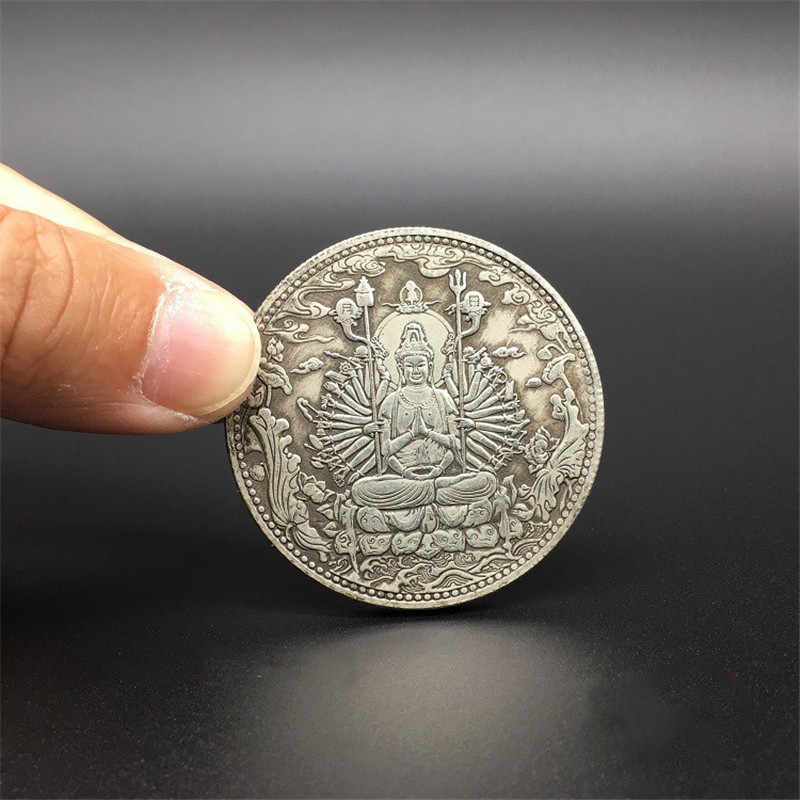 Old Chinese tibet Silver Thousand-hand Bodhisattva Bullion thanka amulet Pendant