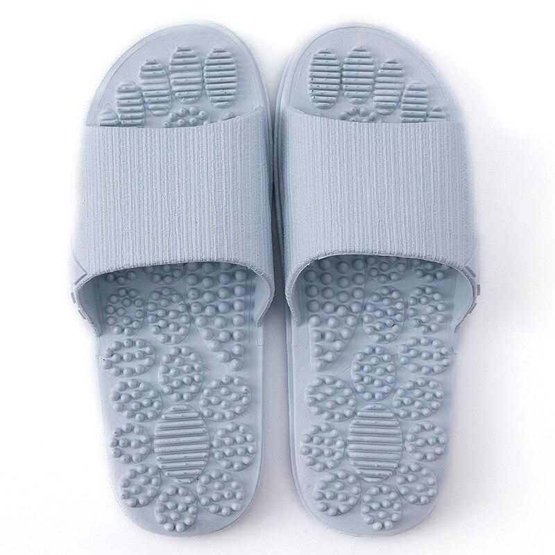 Нескользящие женские массажные тапочки; летние модные домашние уличные Вьетнамки; женская обувь; пляжные шлепанцы для ванной; мужские шлепанцы - Цвет: Light blue