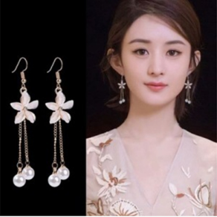 2019 Fashion Korean Version Of The New Earrings Wild Chain Pearl Crystal Flower Earrings Pendant Women's Clothing Manufacturers