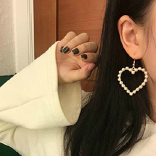 E0286 New Arrival Gold Color Love Heart Drop Earrings For Women Korean Style Pearl Dangle Earrings Fashion Party Wedding Jewelry fashion jewelry earrings personality long color transparent love earrings love chain pearl alloy earrings for women