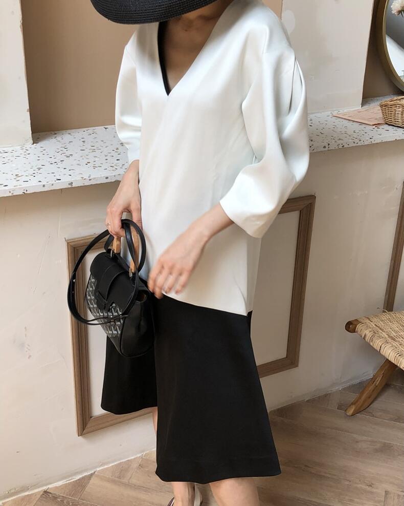 Kadın Giyim'ten Elbiseler'de Şenlikli görünümlü derin v yaka renk engelleme parlak kumaş geri/açık gri midi elbise'da  Grup 1