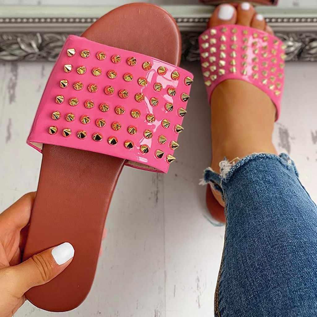 Pistoni di estate Delle Donne Rivetto Sandali Flat Scarpe Da Casa Al Coperto Per Le Donne Ragazze casual di Grandi Dimensioni Pantofole da Donna Piatta Scarpe Da Spiaggia