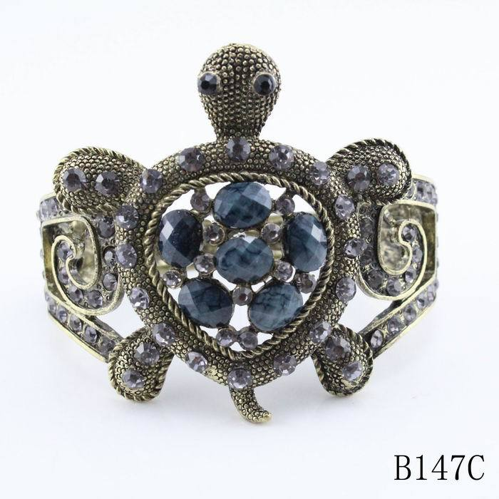 Модные большие браслеты дизайн Милая черепаха Красочные Стразы браслет Розничная ювелирные изделия - Окраска металла: black