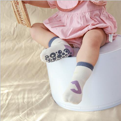 5pairs 0-5Year Autumn and winter new children's kids boy girl socks dispensing non-slip baby floor socks 4