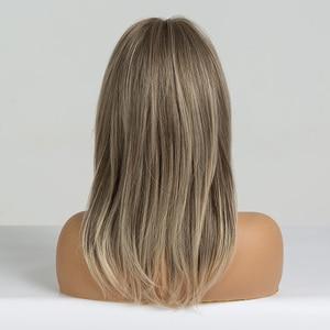 Image 3 - EATON perruque ondulée brune clair mi longue avec frange, perruque Cosplay en Fiber résistante à la chaleur pour femmes