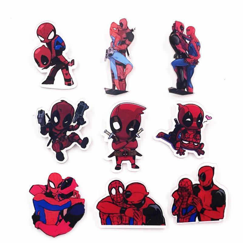 1 pçs venda quente marvel herói deadpool ícone broche acrílico homem aranha crachá engraçado dos desenhos animados vingadores pino para crianças presentes de festa