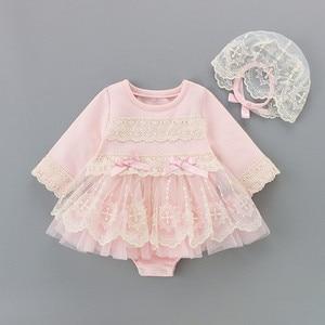Noworodek dziewczynek ubrania haft dzieci chrzest body + kapelusz 2 sztuk/zestaw niemowlę dziewczynki urocza koronka chrzciny body 0-18M