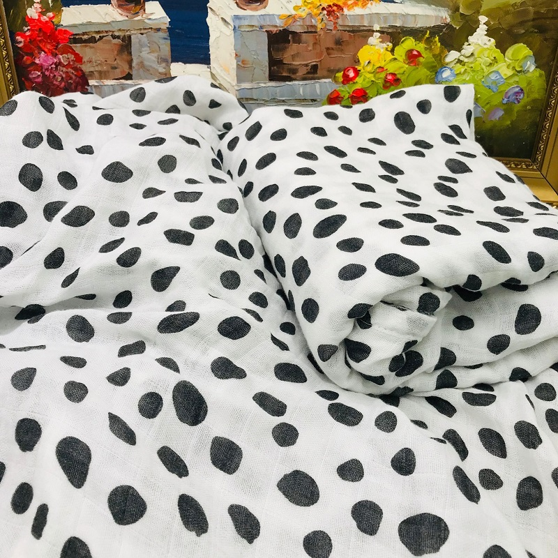 INS Hot Black Dot Cotton / Bamboo Fiber Muslin Baby Blanket Bedding Swaddle Wrap For Newborn Blankets Unisex Babies Down Quilt