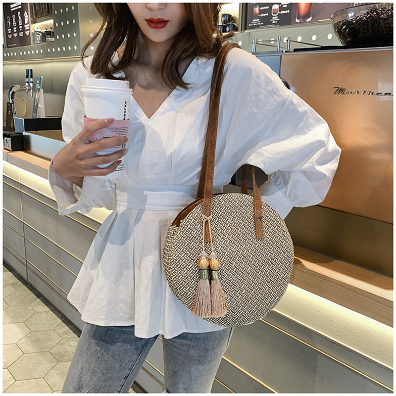 Summer Women Bags Ladies Large Handbag Handwoven Straw Bag Round Popularity Straw Women Shoulder Bag Beach Travel Bags Tote 2019 2