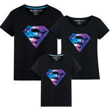 Summer Superman Mother and Daughter Father and Son Clothes Mommy And Me Clothes Family Matching T-shirts mae e filha Cotton family clothing matching mother daughter father son hooded hoodies letter causal t shirt for girls boys mae e filha family look