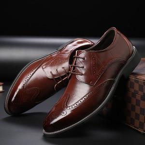 Image 5 - SZSGCN428 2019 חדש גברים אוקספורד עור אמיתי שמלת נעלי מבטא אירי תחרה עד דירות זכר נעליים יומיומיות שחור חום גודל 38 48