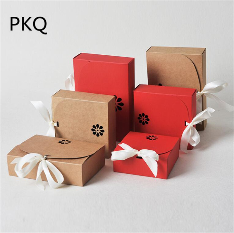 <font><b>Kraft</b></font> <font><b>paper</b></font> <font><b>box</b></font> small gift <font><b>box</b></font> with ribbon <font><b>large</b></font> present <font><b>box</b></font> red <font><b>paper</b></font> gift packaging <font><b>box</b></font> clothing package wedding packing <font><b>box</b></font> image