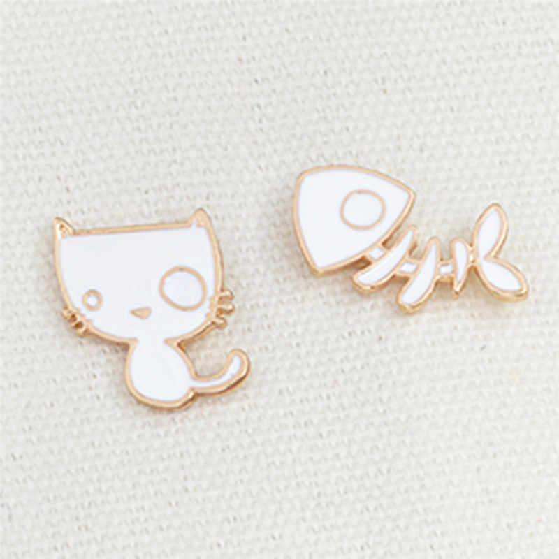 2 Pcs/set Enamel Kucing Ikan Tulang Pin Paduan Ikon Putih Lucu Anak Kucing Hewan Bros Jaket Ransel Kemeja Kerah Pin Tombol lencana Hadiah