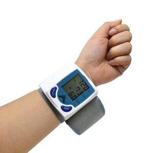 Image 4 - Gesundheit Pflege automatische blutdruckmessgerät Handgelenk Manschette blutdruck meter Pulse Monitor maschine Herz Beat Meter tester analysator