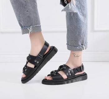 . Kadın sandalet deri Doc artı boyutu 34-44 yaz ayakkabı gladyatör bayanlar slayt Martins toka kayış rahat kadın sandalet 2020