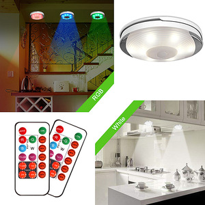 Image 2 - Âm Trần Cảm Biến Cảm Ứng Pin Đèn LED Dưới Tủ Màu Có Remote Không Dây Chiếu Sáng Nhà Bếp Đêm Đèn Tủ Quần Áo Phòng Ngủ Puck Ánh Sáng