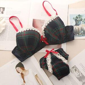Image 2 - Kadınlar seksi noel cosplay tatil iç çamaşırı dantel sutyen üst Mini dantel külot seti 4760