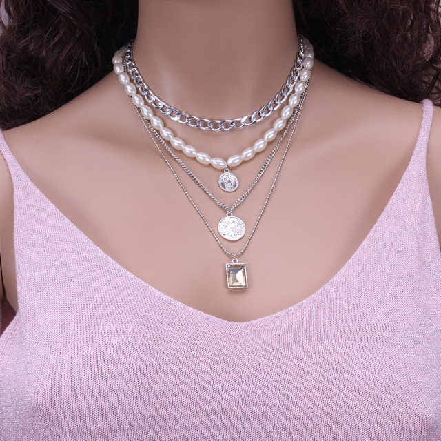 Geometric Layered Pearl Necklace  6