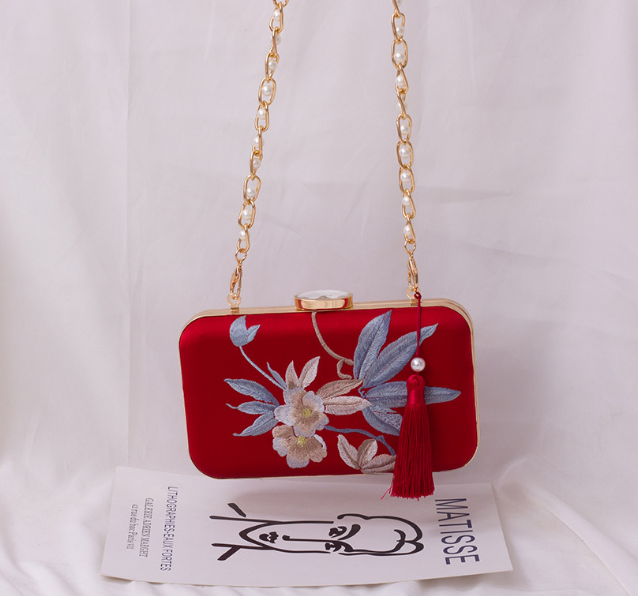 Angelatracy Retro Box Style Red Floral Embroidery Ladies Handbag Shoulder Bag Chain Purse Women's Crossbody Messenger Bag Flap