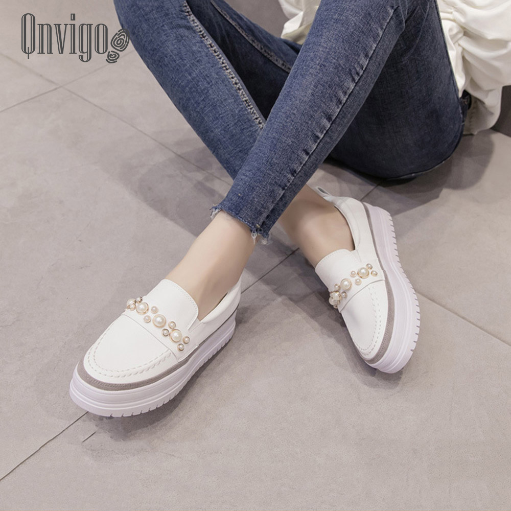 Qnvigo Platform Sneakers Shiny Leather Pearl Studded White Vulcanized Shoes Pumps Height Increasing Elegant Chaussures Femme 202