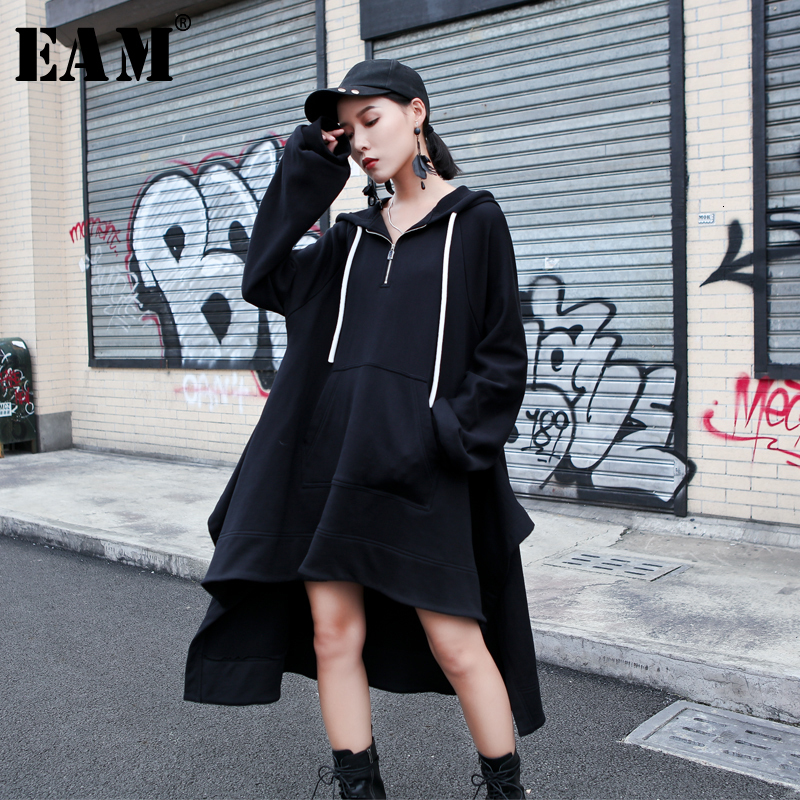 [EAM] Women Black Back Long Big Size Sweatshirt Dress New Hooded Long Sleeve Loose Fit Fashion Tide Spring Autumn 2019 1H585