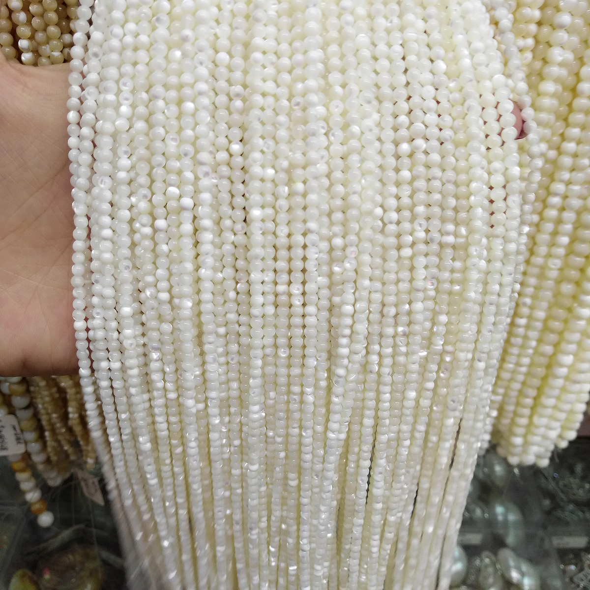Wholesale <font><b>Natural</b></font> Shell <font><b>Beads</b></font> White Round Seashell <font><b>Stone</b></font> <font><b>Beads</b></font> Small <font><b>Beads</b></font> for Jewelry Making DIY Bracelet Necklace Gifts 15.5'' image