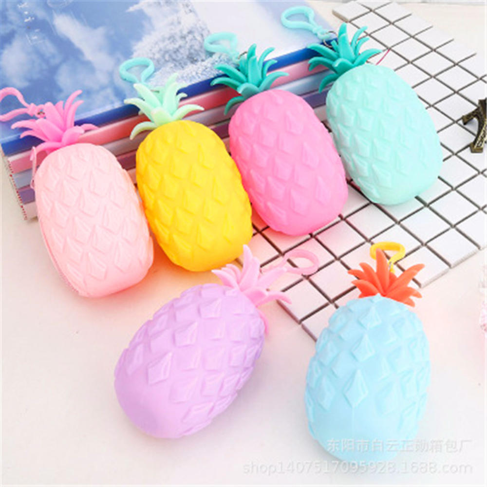 2020 Hot Sale New Creative Silicone Hanging Pineapple Pen Bag Coin Purse Waterproof Fruit Stereo Zipper Coin Purse Storage Bags
